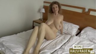 Brunette milf with hanging tits give blowjob